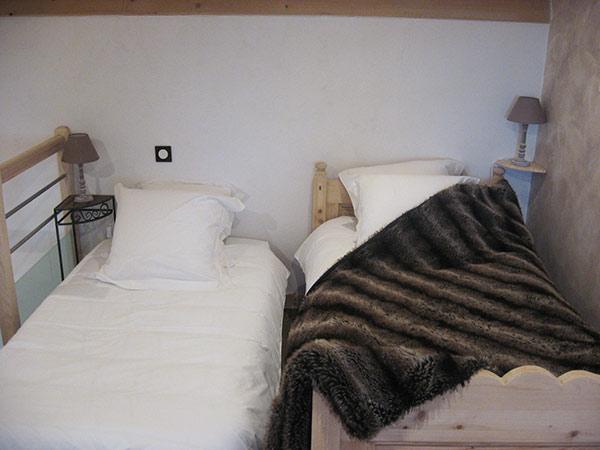 chambre 2 avec 2 lit 90x190